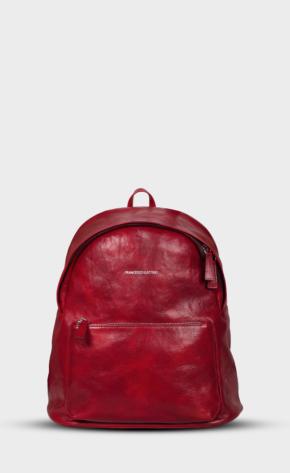Červený kožený batoh s leštěným zipem. Batoh je vypodšívkovaný. Dvě kapsy a jedna vnitřní.